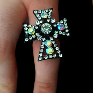BEAUTIFUL  Cross Stretch Ring CZ Crystals New